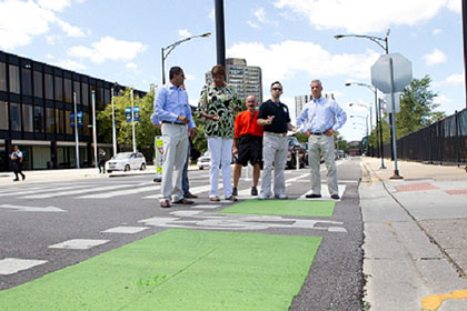 Mayor Emanuel and CDOT Commissioner Gabe Klein inspect new bike lane