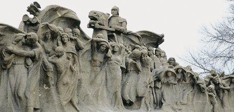 City of Chicago :: Lorado Taft's Fountain of Time