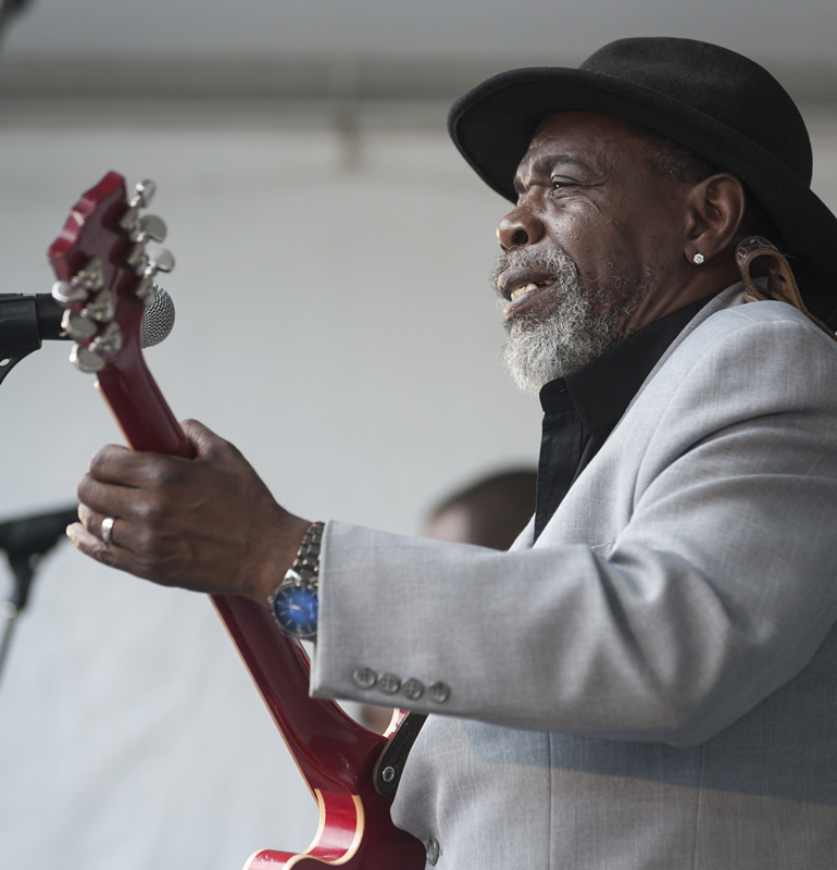 Blues musician Lurrie Bell performing