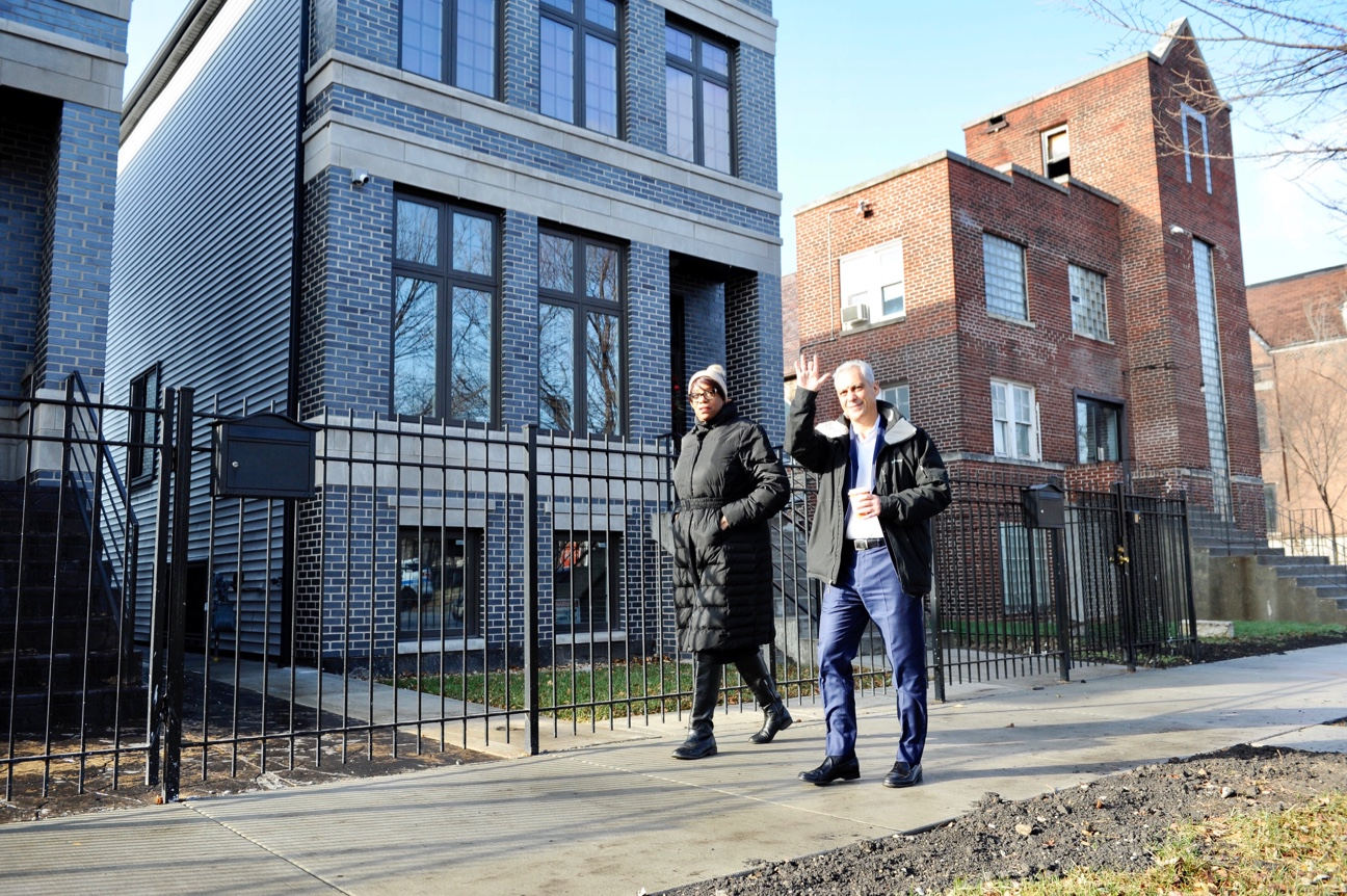 Ald. Dowell and Mayor Emanuel tour new model homes on South Prairie Avenue