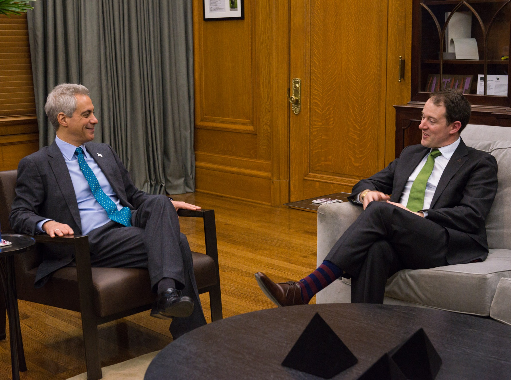 Mayor Emanuel welcomes the Irish Minister for Enterprise and Innovation, Seán Sherlock, to Chicago.