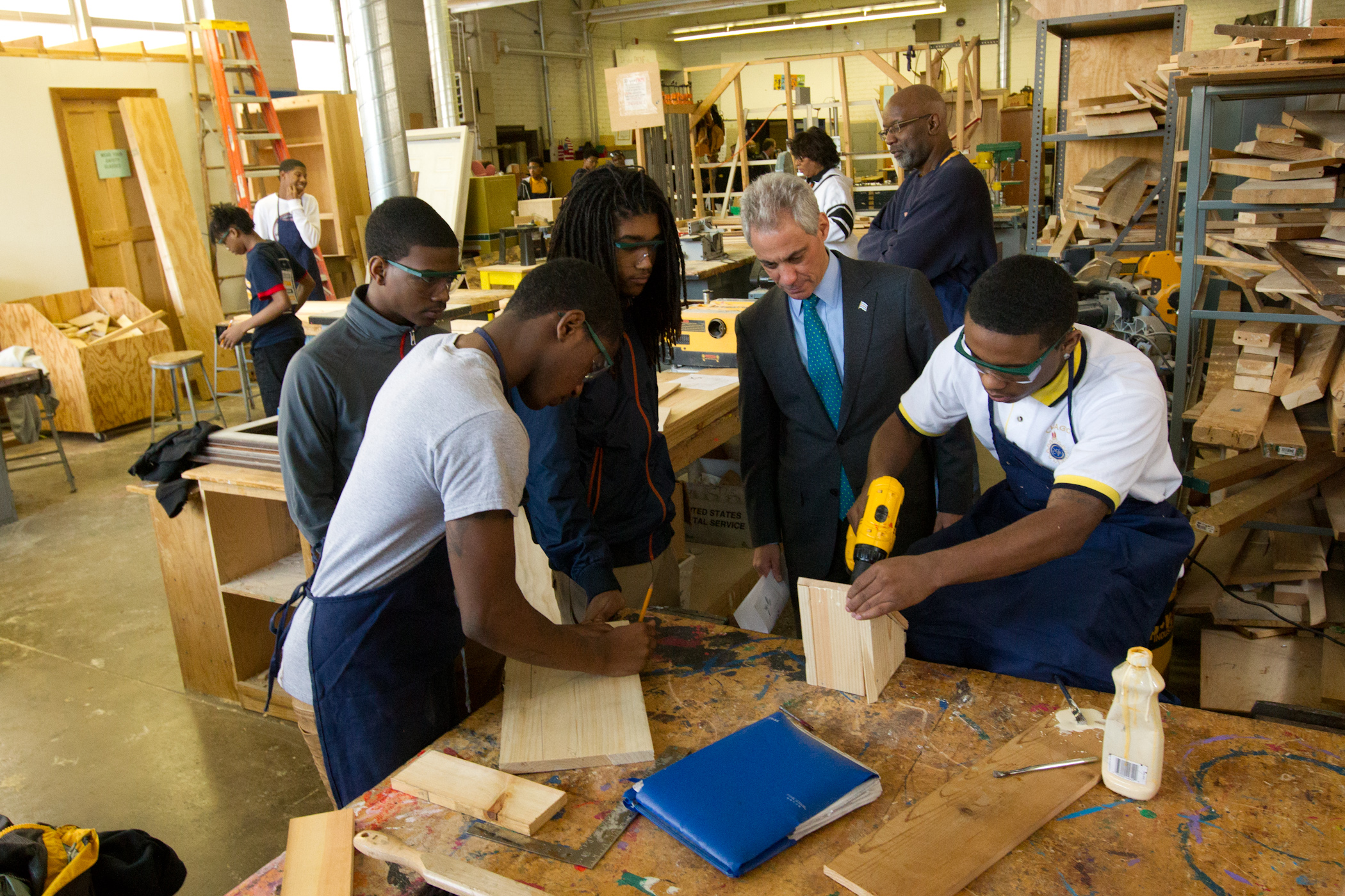 Mayor Emanuel visits with students at CVCA
