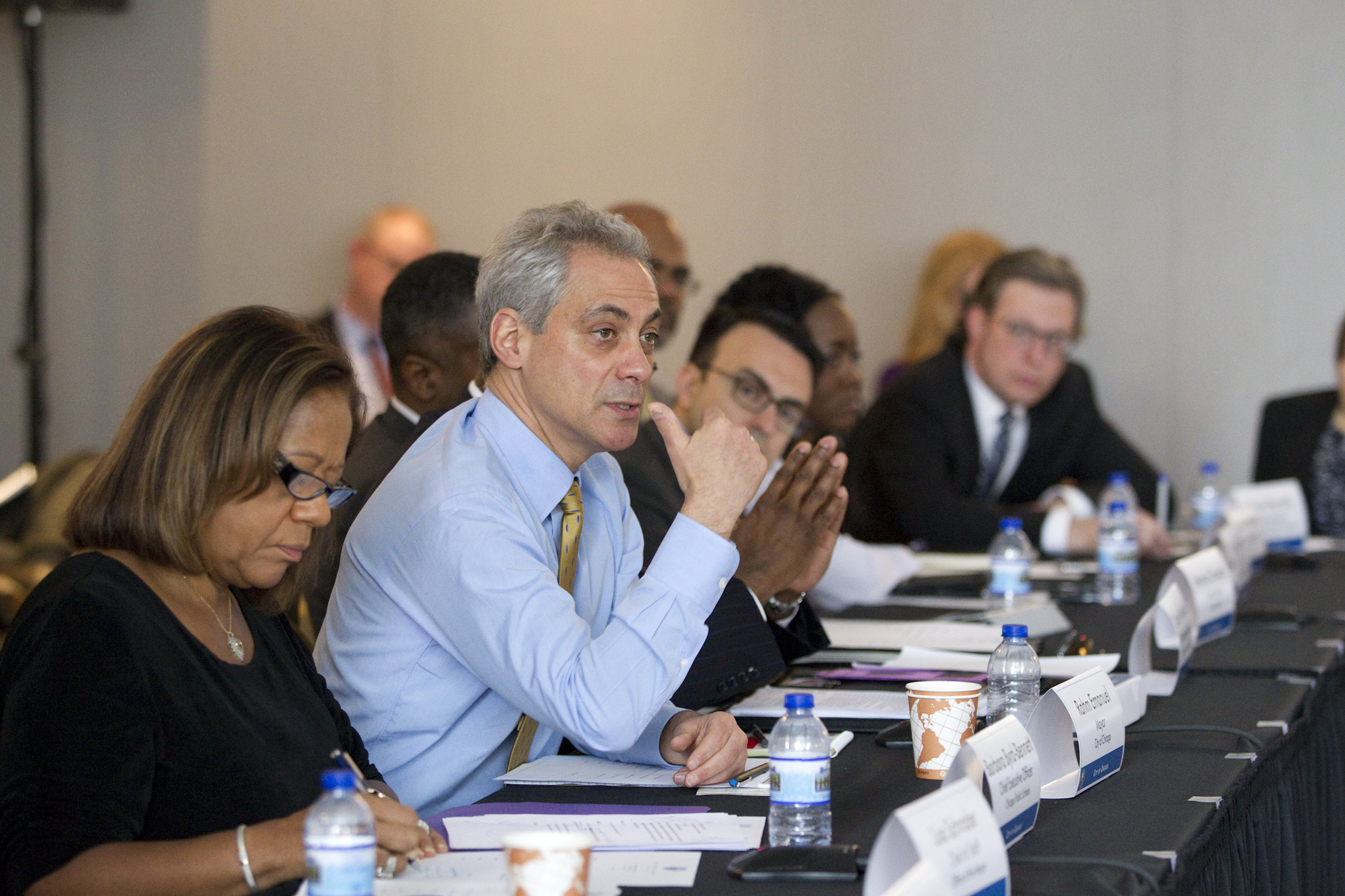 Mayor Emanuel convenes cabinet to discuss City-wide coordination to support Chicago's students.