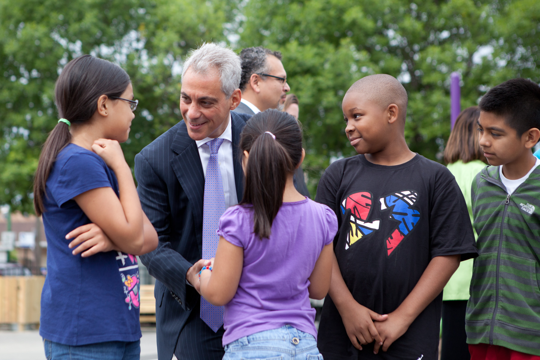 Mayor Emanuel visits with children at Tonti Elementary School