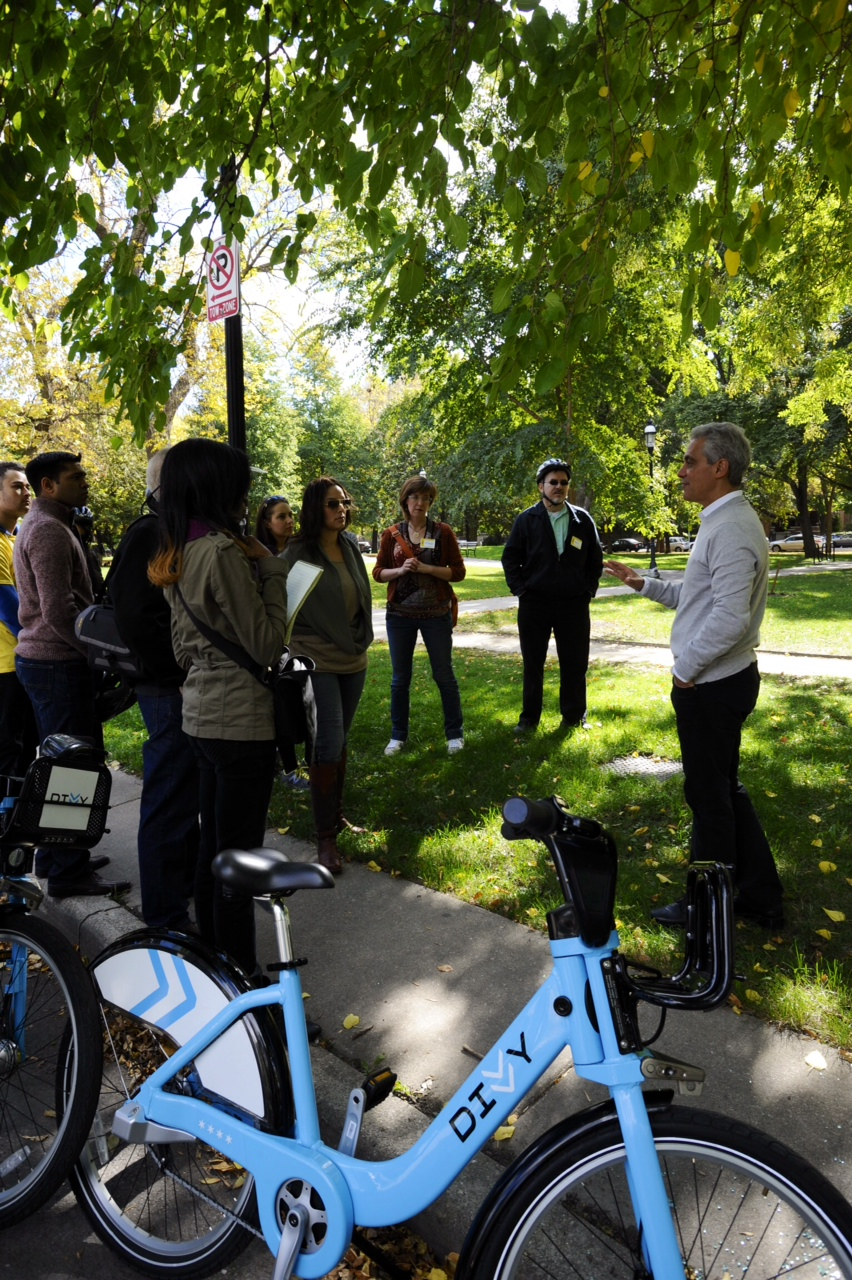 Mayor Emanuel host Divvy bike tour with Chicago Ideas Week attendees in the Logan Square neighborhood.