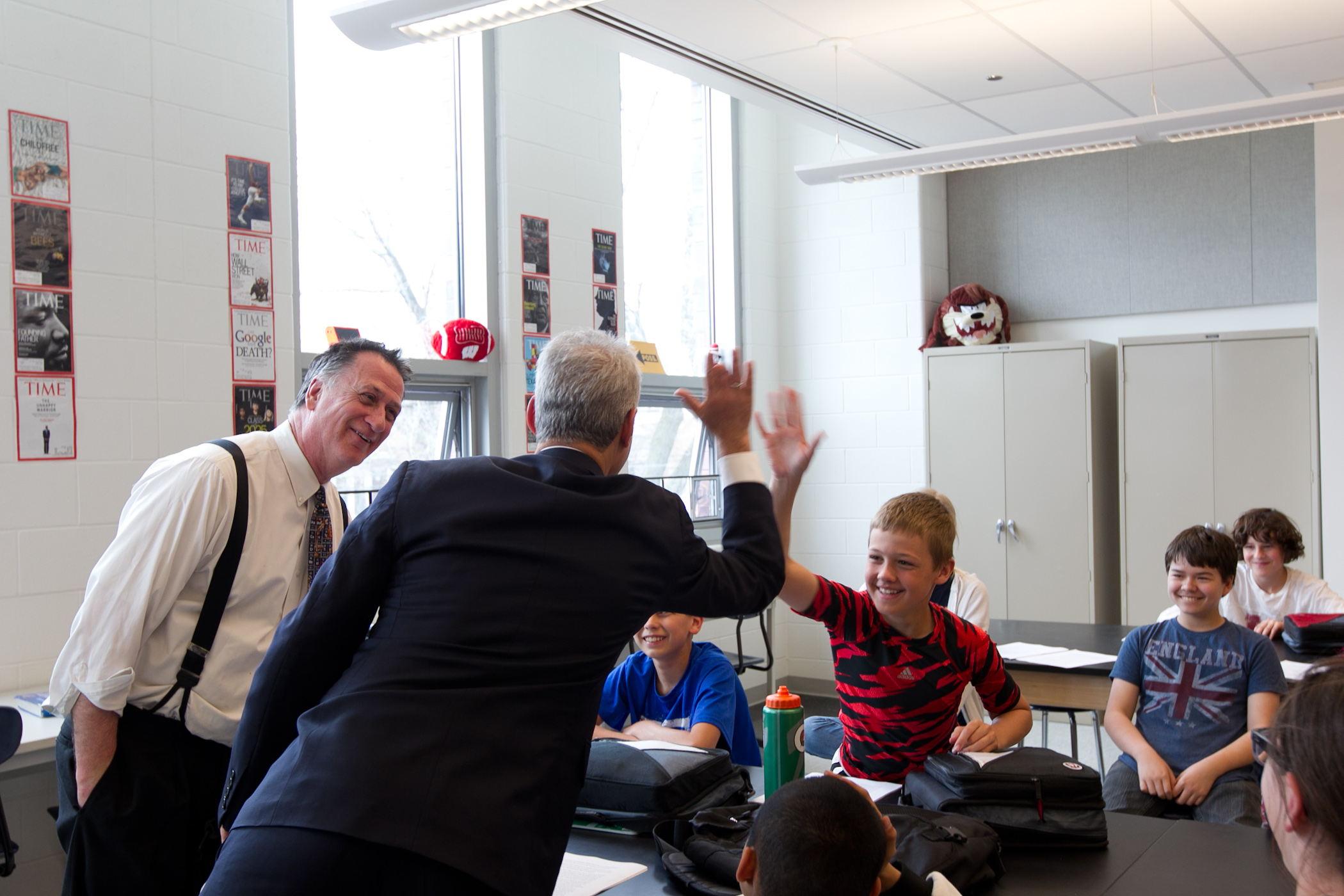 Mayor Emanuel visits with students at Bell Elementary School