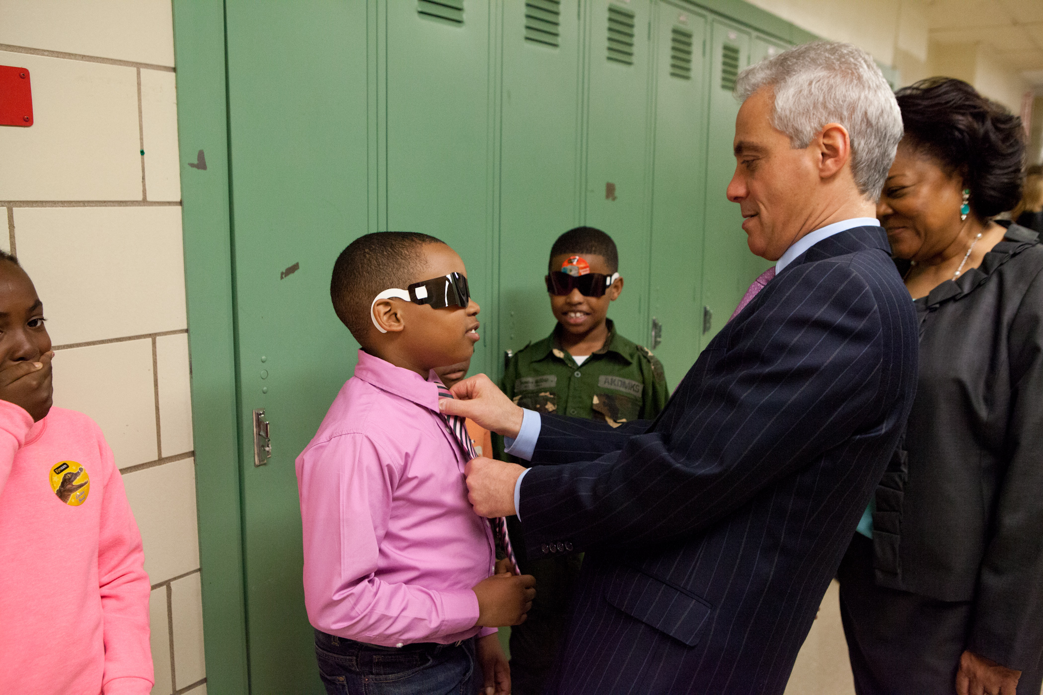 Mayor Emanuel visits with students receiving free vision exams at Sumner Elementary school