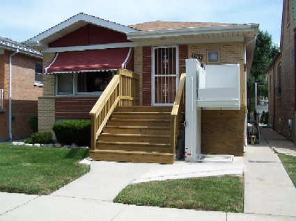 Picture of an accessible home with a wheelchair lift