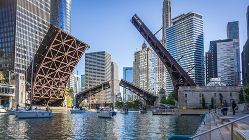 Bridge Opening over the Chicago River with boats passing under it