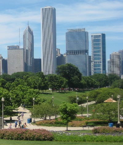 Image of Chicago buildings and park